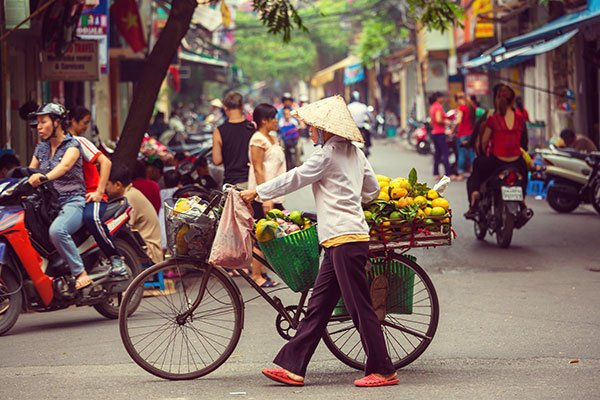 vietnamese-customs-dos-and-donts-for-visiting-vietnam-street
