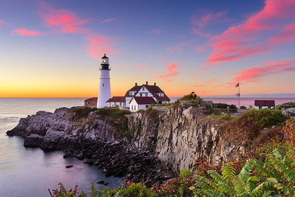 ymt-blog-Maine-slang-sayings-maine-lighthouse