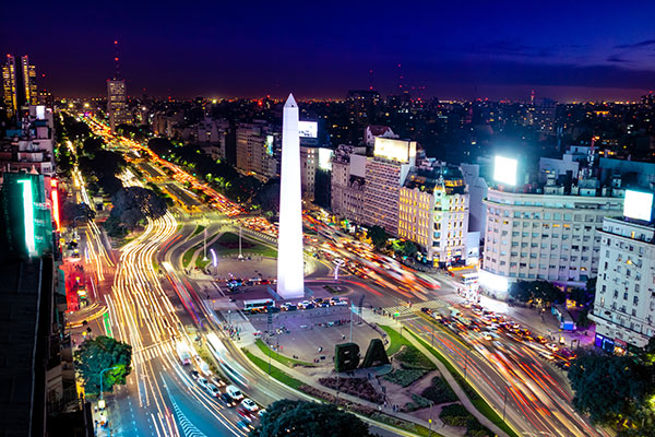 ymt-blog-best-things-to-do-in-buenos-aires-argentina-avenida-9-de-julio