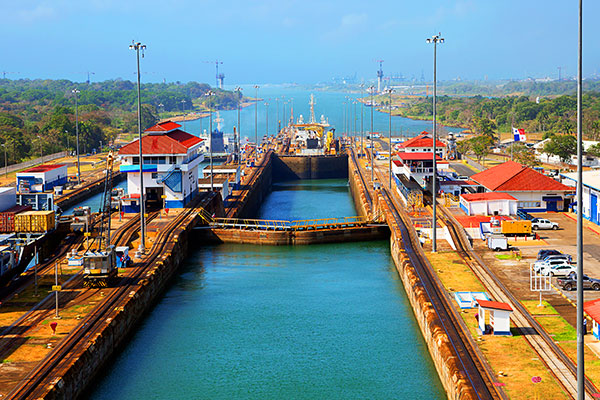 ymt-blog-how-the-panama-canal-was-built-locks