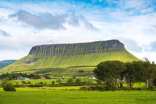 ymt-blog-ultimate-ireland-travel-guide-benbulbin-in-sligo