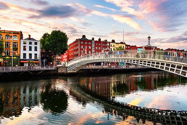 ymt-blog-ultimate-ireland-travel-guide-dublin-ireland-view-of-ha-penny-bridge
