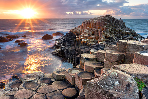 ymt-blog-ultimate-ireland-travel-guide-giants-causeway