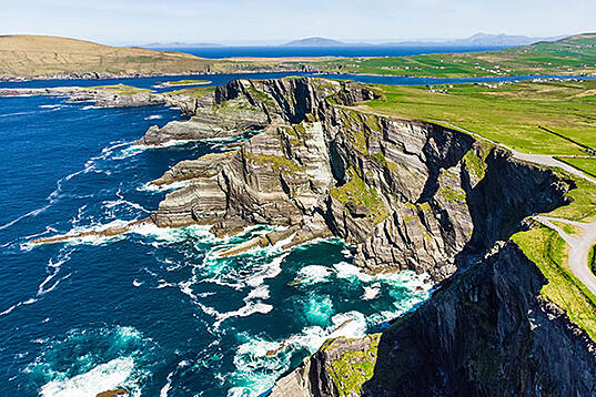 ymt-blog-ultimate-ireland-travel-guide-ring-of-kerry-with-cliffs-killarney