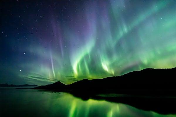 600x400-Alaska-aurora-lights-rainbow