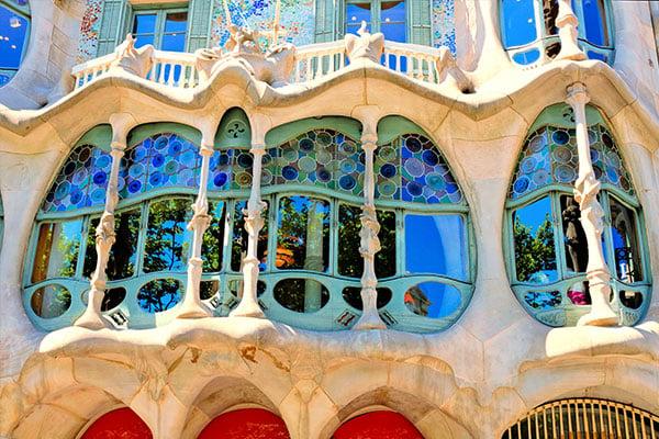 Antoni-Gaudi-spain-architecture
