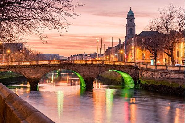 600x400-Grattan-Bridge-in-Dublin,-Ireland