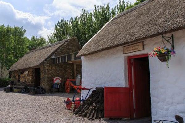 600x400-Kerry-bog-village