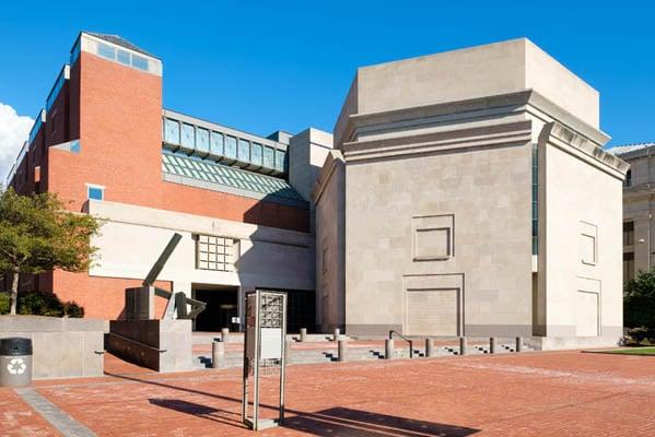 Holocaust-Memorial-Museum-Washington DC