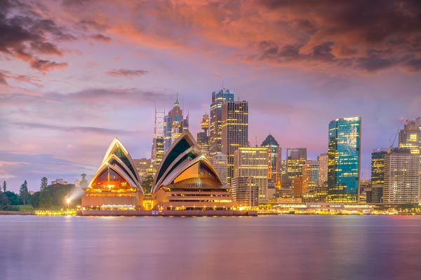 Sydney-Australia-Sydney Opera House at dusk