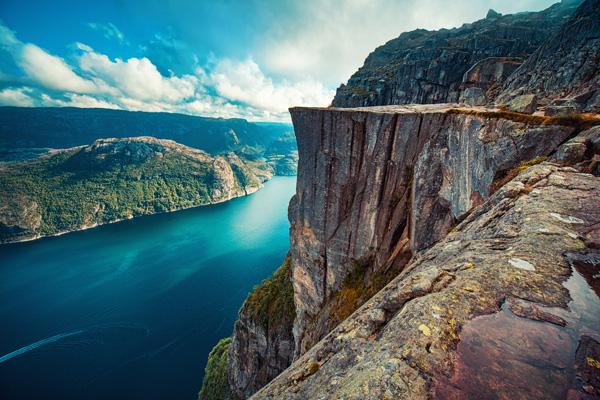 YMT-Vacations-Lysefjord-Preikestolen-Cliff-Norway-ss_647002174