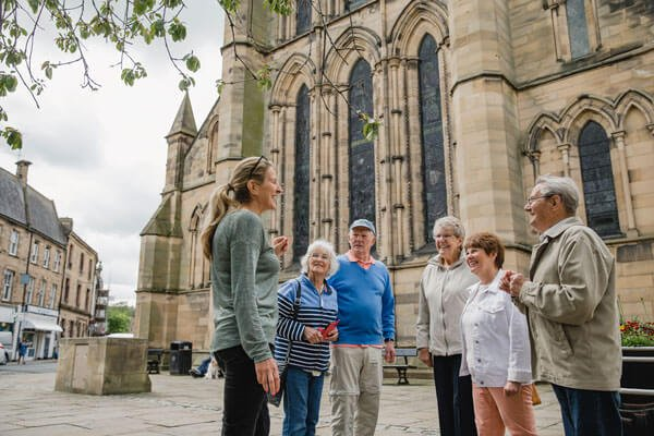 group-of-senior-travelers-cathedral-ymt-vacations-iS-1056319610-1