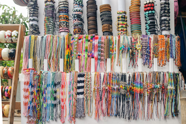 jewelry-on-souvenir-stand-travel-iS-1061706820
