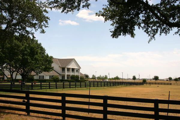 southfork-ranch-shutterstock_1512928