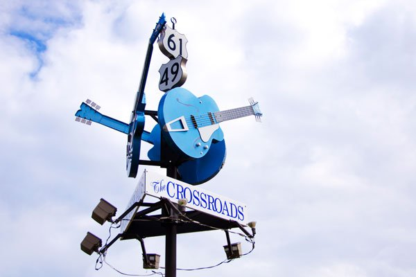 ymt-blog-historic-sites-of-the-blues-highway-clarksdale-crossroads-vendor-image