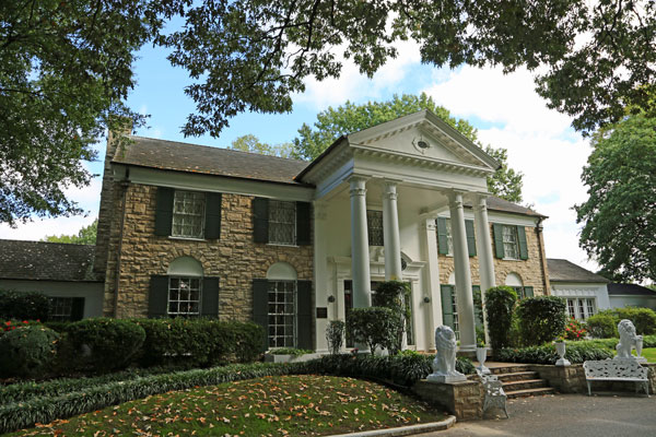 ymt-blog-historic-sites-of-the-blues-highway-graceland
