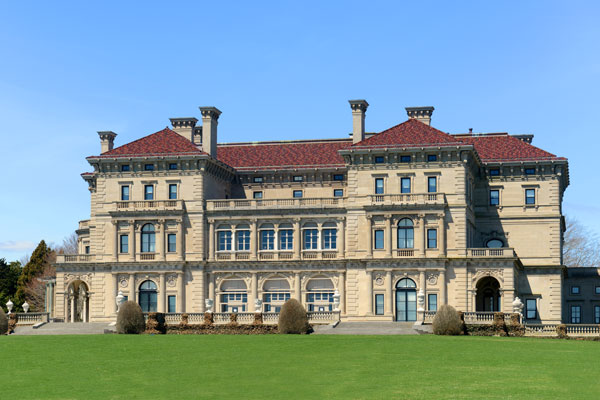 ymt-blog-the-best-newport-mansions-breakers