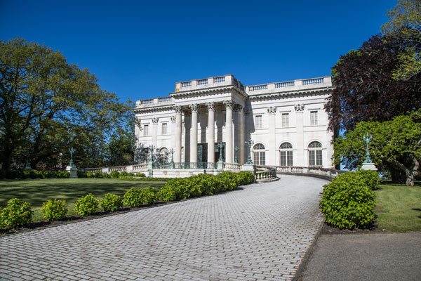 ymt-blog-the-best-newport-mansions-marble