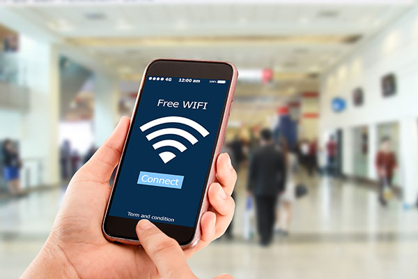 ymt-blog-tips-for-staying-cyber-safe-while-traveling-public-wifi