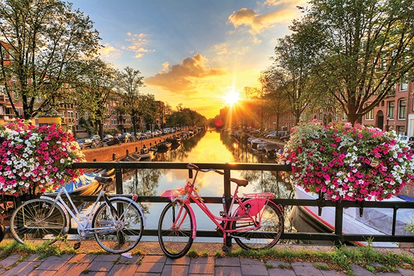 ymt-vacations-europe-destinations-spring